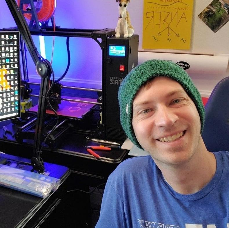 Scott S poses with his 3D printer