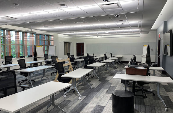 panasonic-pro-audio-university-of-michigan-ross-business-school-wireless-microphone-system-wyly-classroom-case-study-image