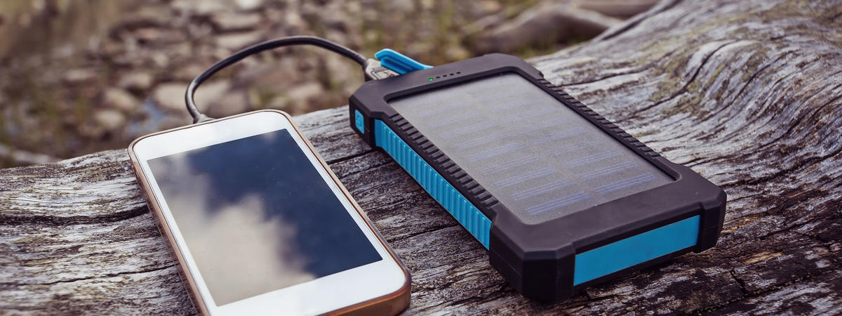 solar power bank charging smart phone